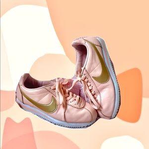 Nike Women's Peach & Gold Cortez 🍑